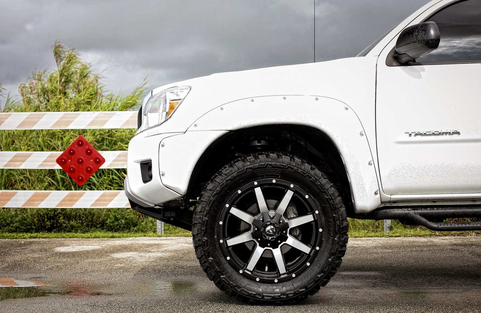 Toyota-Tacoma-XPS-X-By-Fuel-Offroad-wheels-08